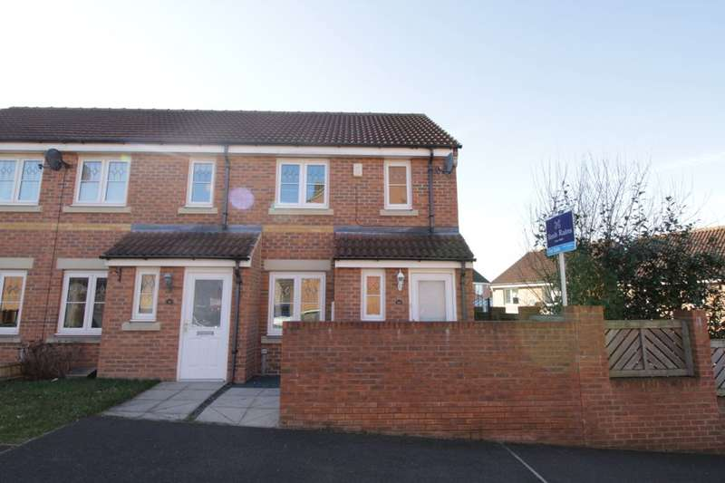 2 Bedrooms Terraced House for sale in Bellflower Close, Whitwood, Castleford, WF10