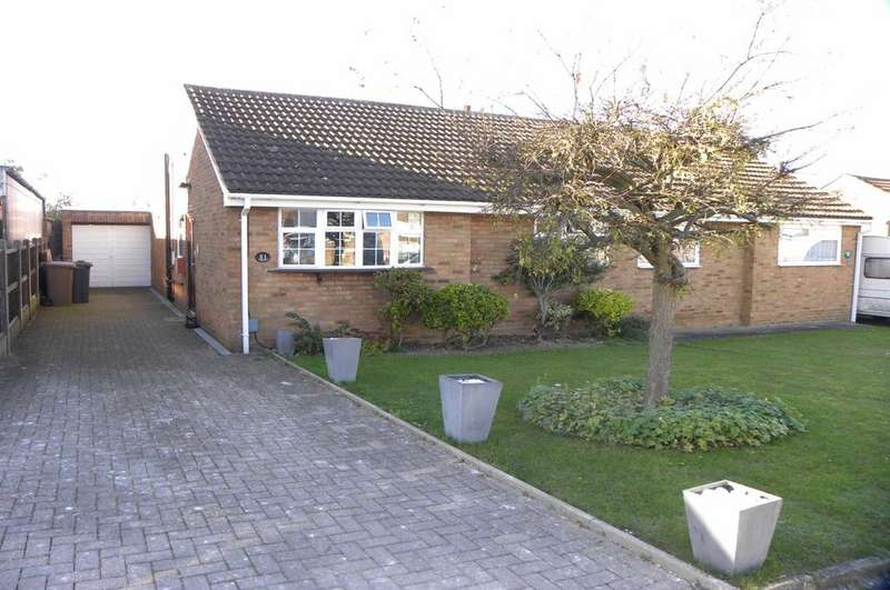 2 Bedrooms Bungalow for sale in Bakewell Close, Luton Dunstable Borders