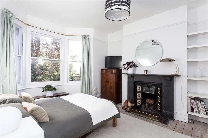 2 Bedrooms Flat for sale in Cubitt Terrace, London, SW4