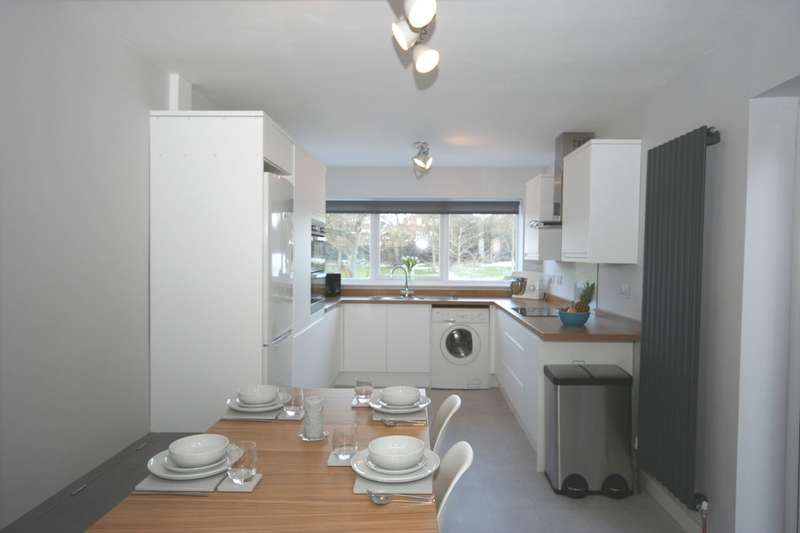 3 Bedrooms Semi Detached House for sale in Kilburn Road, Stockton-On-Tees, TS18