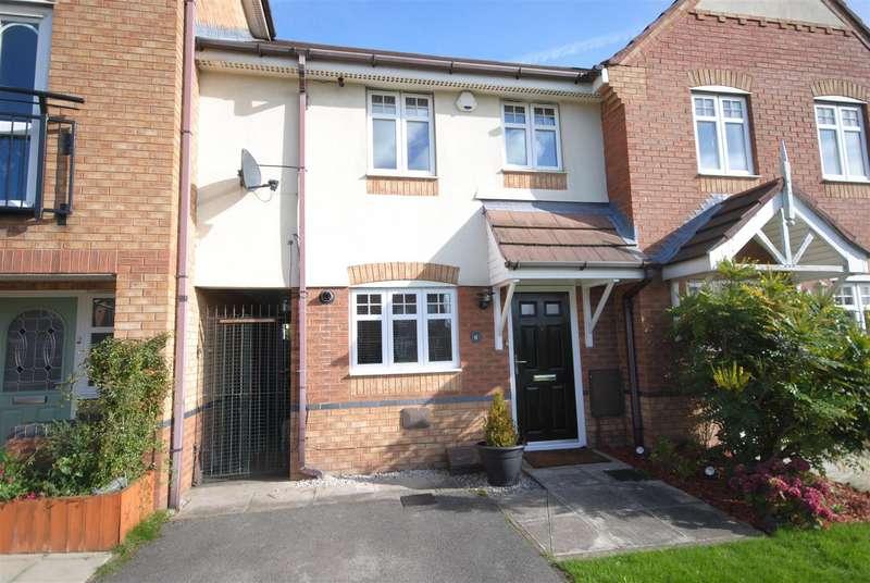 2 Bedrooms Town House for sale in Waterford Close, Platt Bridge, Wigan
