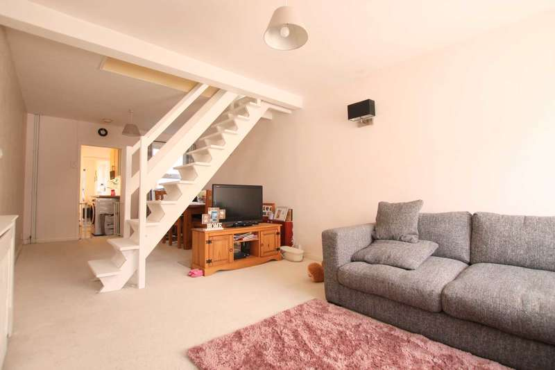 2 Bedrooms Terraced House for sale in Shaftesbury Road, Watford