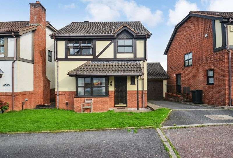 3 Bedrooms Property for sale in Little Hayes Kingsteignton, Newton Abbot