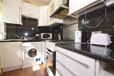 4 Bedrooms Terraced House for rent in Penrhyn Road, Hunters Bar, S11 8UN