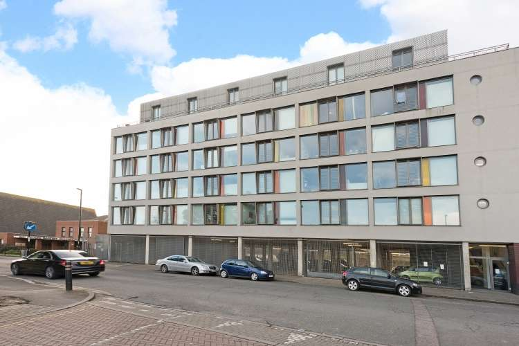 1 Bedroom Flat for sale in Arklow Road London SE14