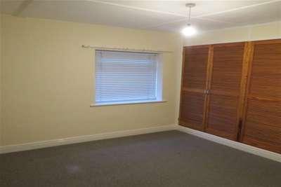 2 Bedrooms Bungalow for rent in Malton Road, Pickering