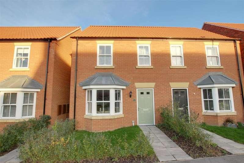3 Bedrooms Semi Detached House for sale in Hazel Walk, Alford