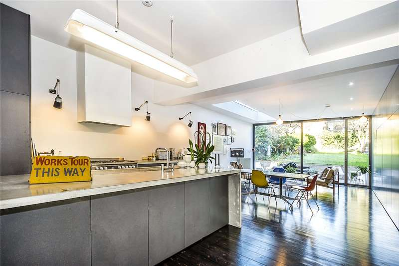 4 Bedrooms Semi Detached House for sale in Gleneldon Road, London, SW16