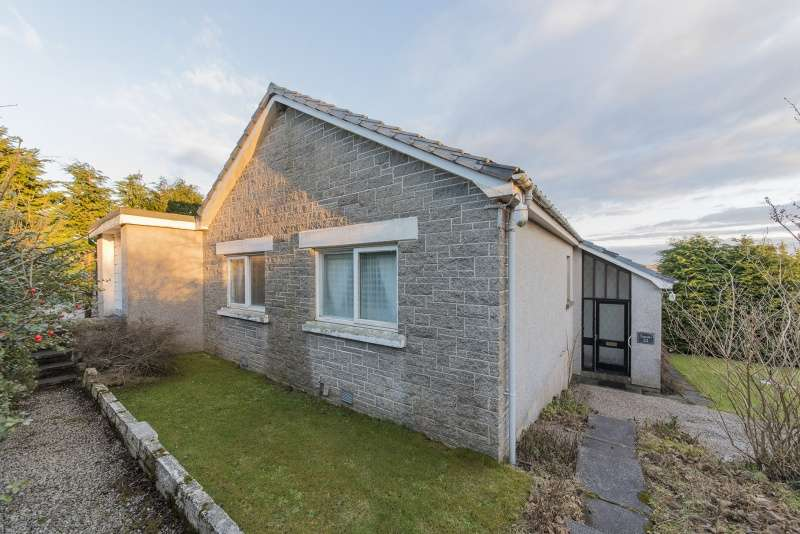 2 Bedrooms Bungalow for sale in Causewayend Crescent, Aberchirder, Huntly, Aberdeenshire, AB54 7TF