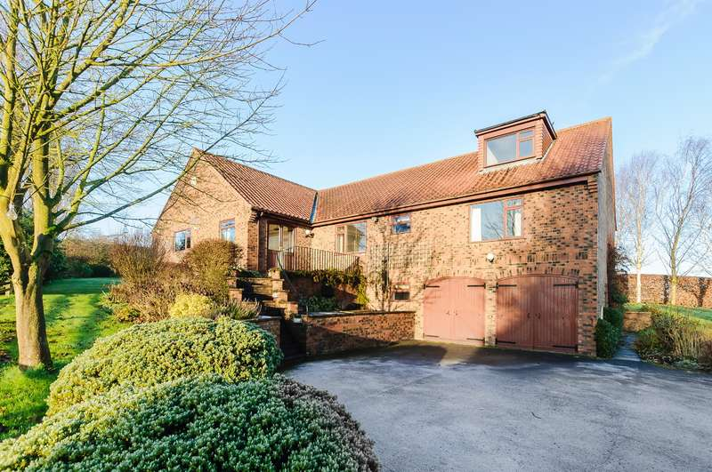4 Bedrooms Detached House for sale in Millfield Rise, Easingwold, York, YO61 3NE