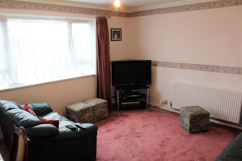 2 Bedrooms Flat for sale in Ringway, Southall, UB2