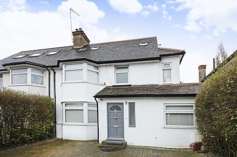 5 Bedrooms House for rent in The Vale, Cricklewood, NW11
