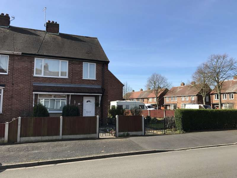 3 Bedrooms Semi Detached House for sale in Newark, Markham Avenue NG24