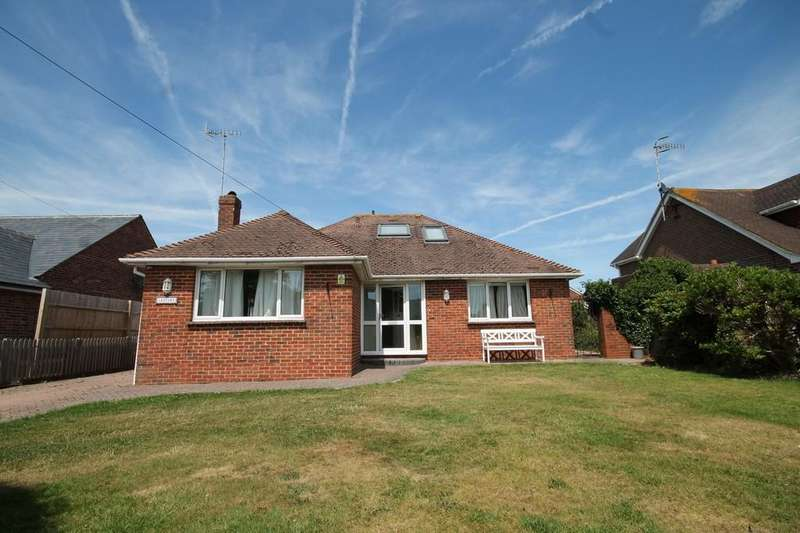 3 Bedrooms Detached Bungalow for sale in West Street, Sompting, Lancing BN15 0DA