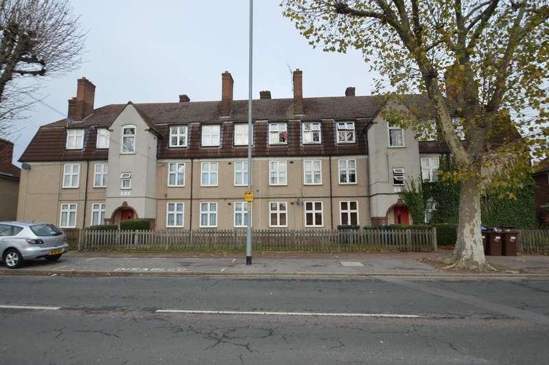 2 Bedrooms Flat for sale in Beverley Road, Dagenham