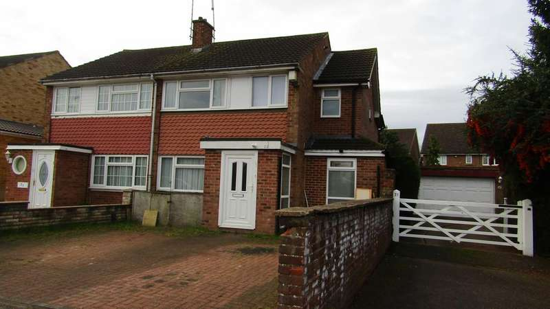 4 Bedrooms Semi Detached House for sale in Chandos Road, Borehamwood, Herts WD6