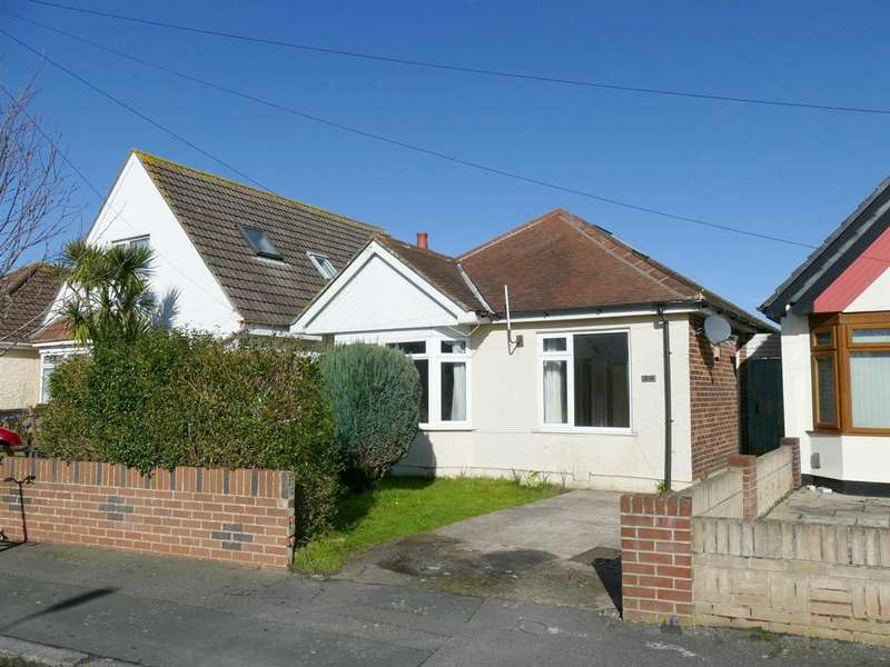 2 Bedrooms Detached Bungalow for sale in Hawden Road, Bournemouth