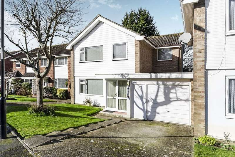 4 Bedrooms Detached House for sale in Wilmington Close, Southampton, SO18