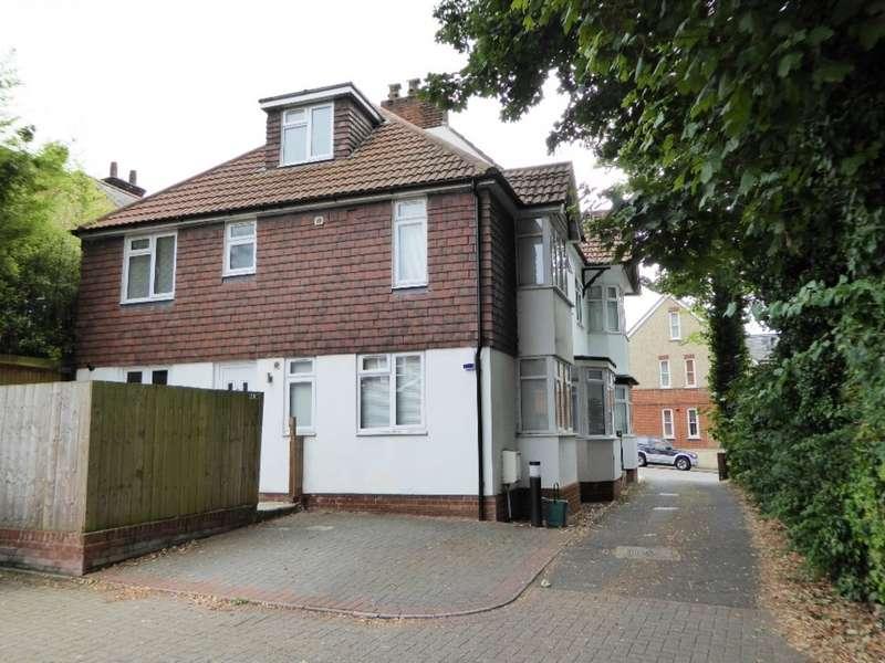 3 Bedrooms Property for sale in Upton Avenue, Central St Albans AL3