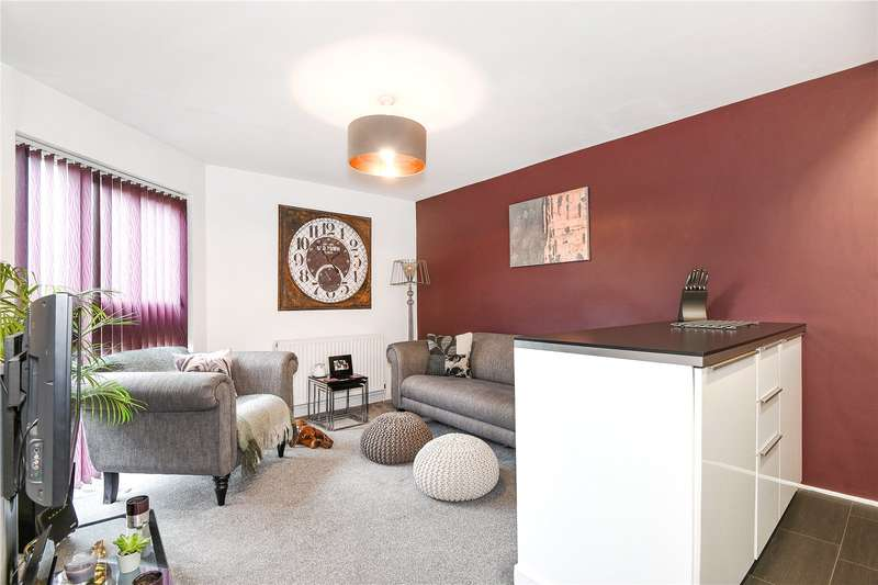2 Bedrooms Apartment Flat for sale in Cross Road, Uxbridge, Middlesex, UB8