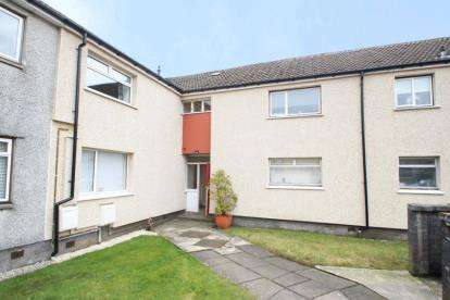 2 Bedrooms Flat for sale in Kestrel Place, Johnstone, Renfrewshire