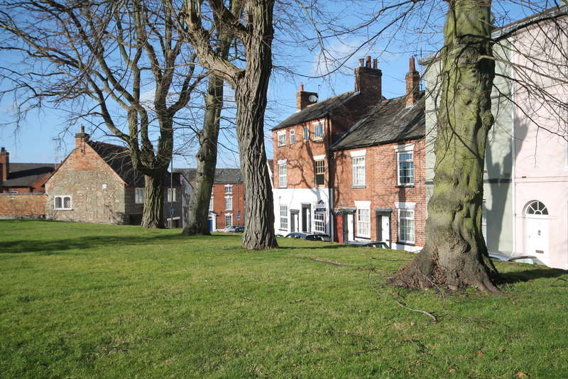 3 Bedrooms Terraced House for rent in Church Lane, Castle Donington, Derby