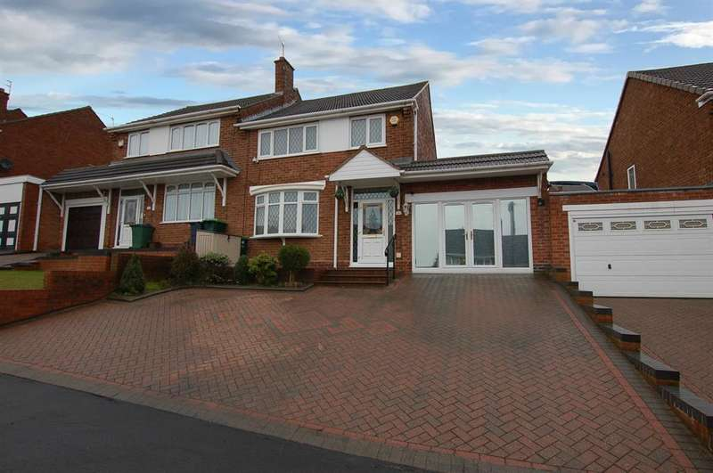 3 Bedrooms Semi Detached House for sale in Wendover Road, Rowley Regis, B65 8LL