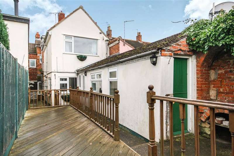 4 Bedrooms Town House for sale in Northgate, Sleaford, Lincolnshire, NG34