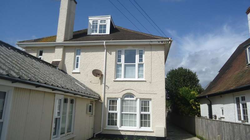 2 Bedrooms Flat for rent in Canning Road, Felpham