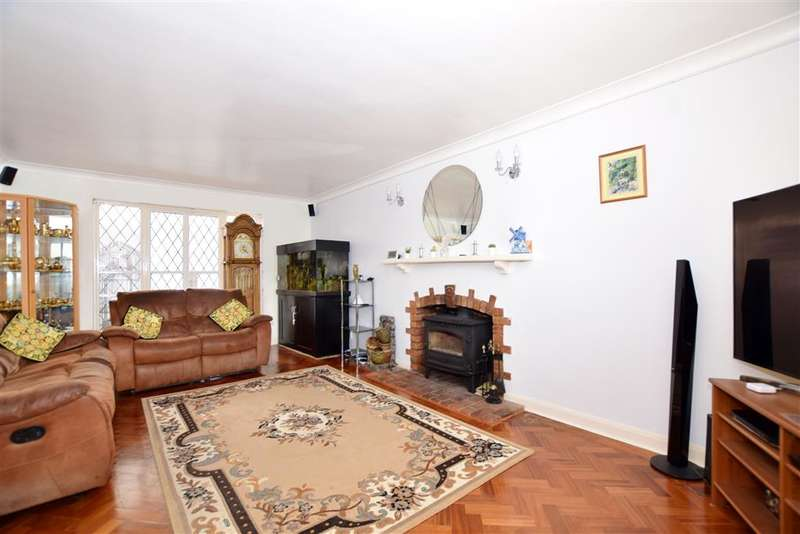 5 Bedrooms Detached House for sale in Hewitts Place, , Willesborough, Ashford, Kent