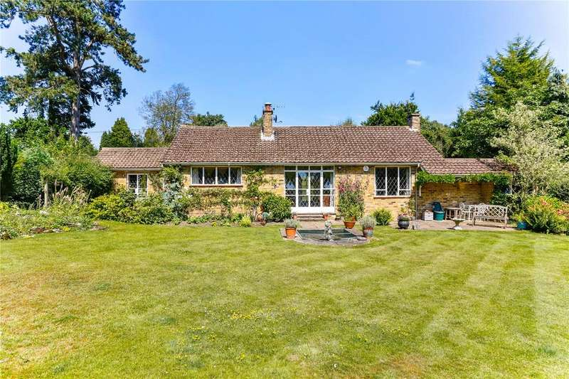 3 Bedrooms Detached Bungalow for sale in Halifax Road, Heronsgate, Rickmansworth, Hertfordshire, WD3