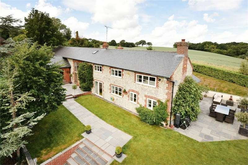 5 Bedrooms Detached House for sale in Crondall Lane, Dippenhall, Surrey