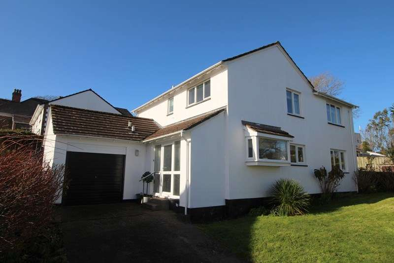 4 Bedrooms Detached House for sale in Goodwood Park Road, Northam, Bideford