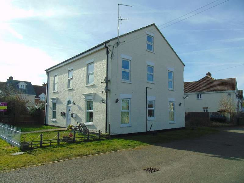 2 Bedrooms Flat for sale in Station Road, Manea, Cambs, PE15 0HA