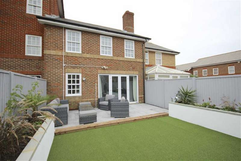 3 Bedrooms Terraced House for sale in Drysdale Mews, Southsea, Hampshire