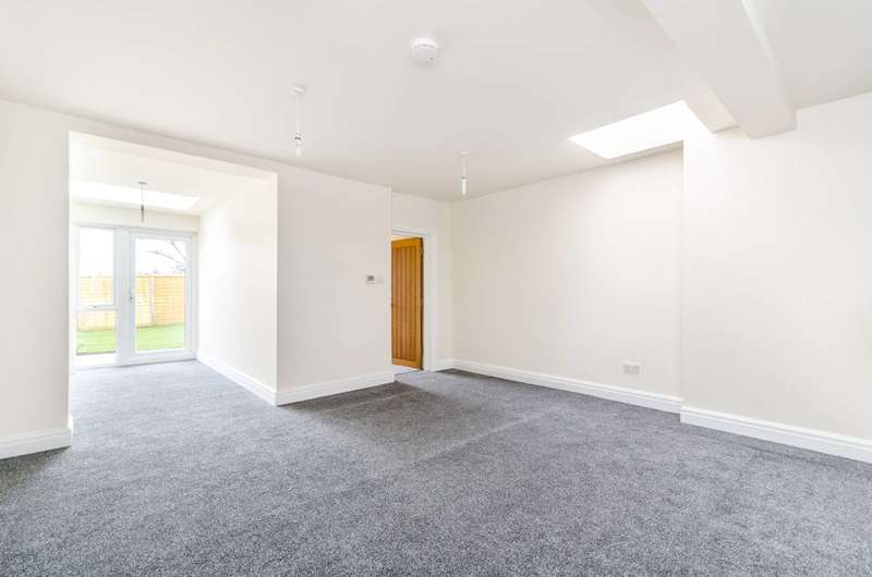 2 Bedrooms Flat for sale in Spa Hill, Upper Norwood, SE19