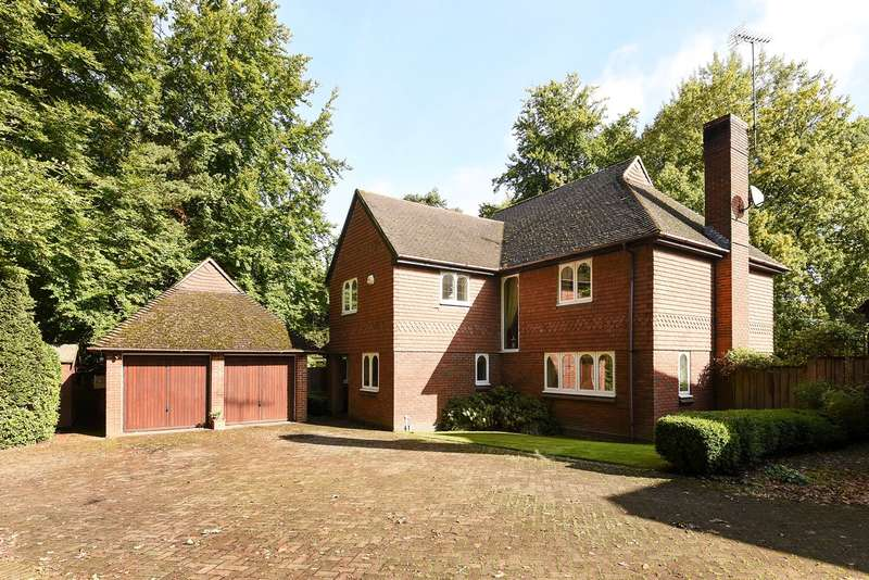 5 Bedrooms Detached House for sale in Lower Wokingham Road, Crowthorne, RG45