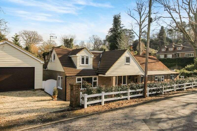 5 Bedrooms Property for sale in Honeysuckle Lane, Headley Down