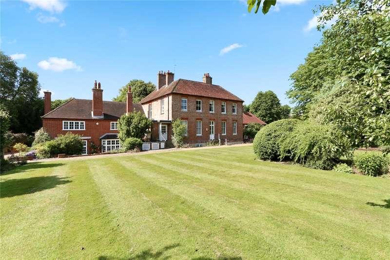 3 Bedrooms Flat for sale in Croft Lane, Crondall, Farnham, Hampshire, GU10