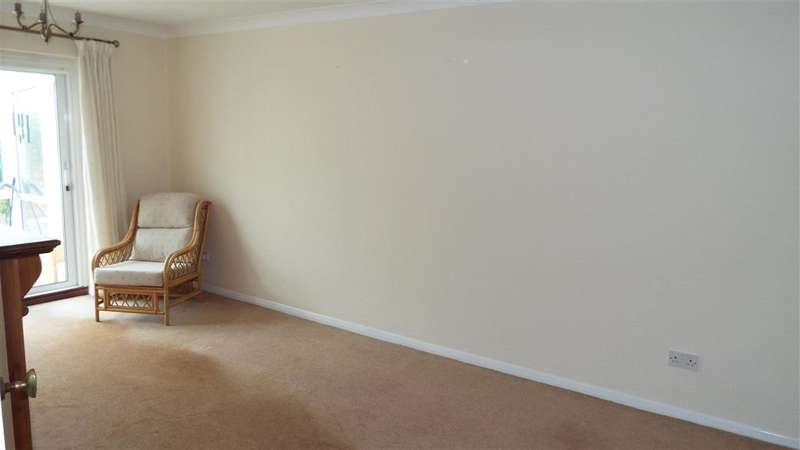 2 Bedrooms Semi Detached Bungalow for sale in Red Lodge Road, , Bexley, Kent
