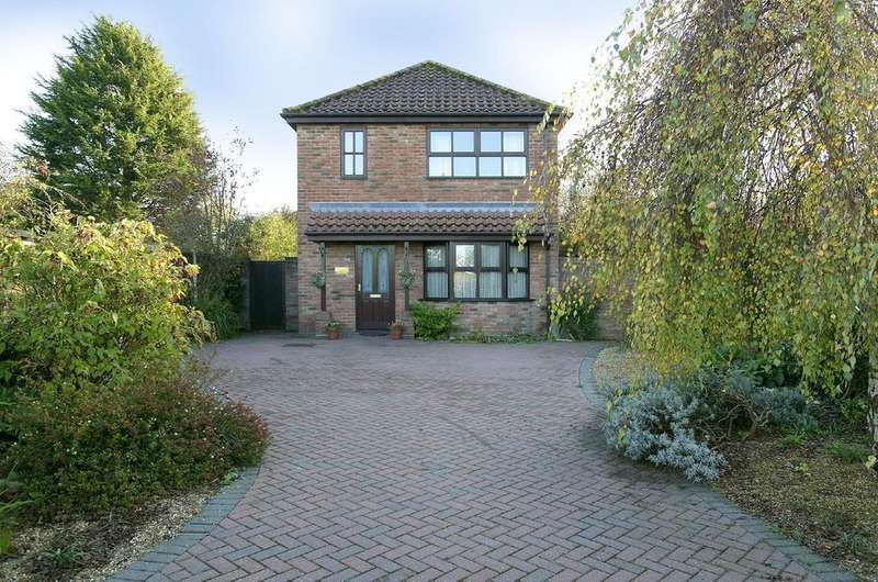 3 Bedrooms Detached House for sale in Brandon Road, Watton