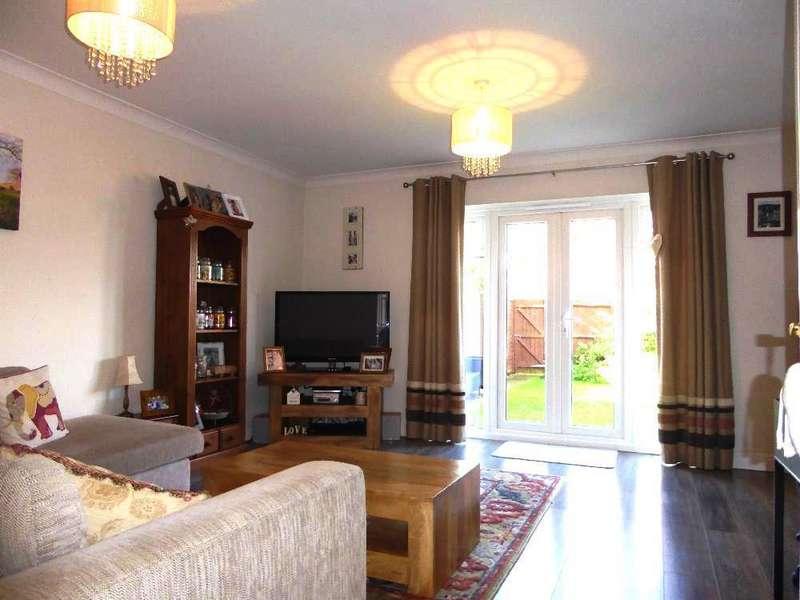 3 Bedrooms House for sale in Oaklands Court, Weston, Crewe
