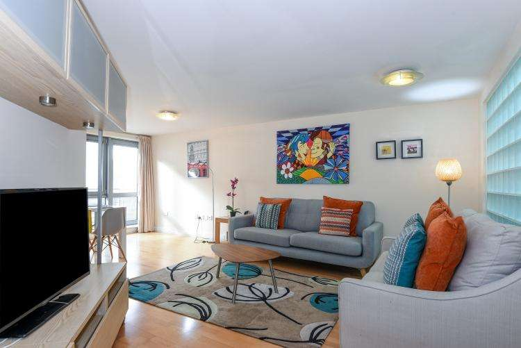 2 Bedrooms Apartment Flat for rent in Naoroji Street Clerkenwell WC1X