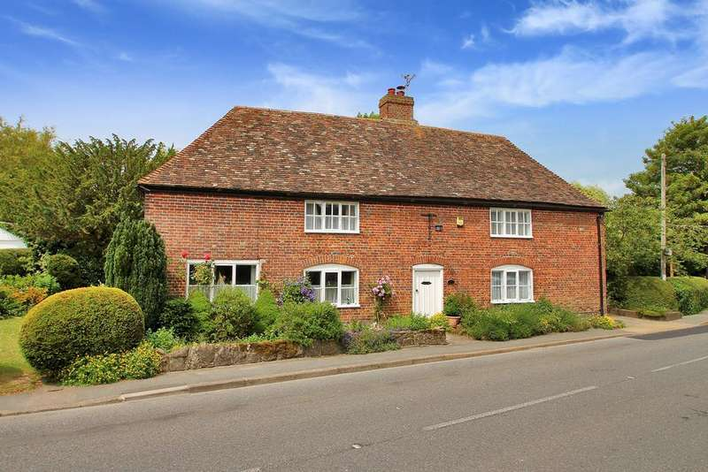 3 Bedrooms Detached House for sale in Canterbury Road, Etchinghill, Folkestone, CT18