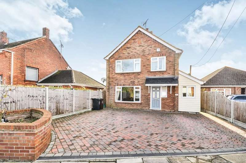 4 Bedrooms Detached House for sale in Darcy Road, Colchester, CO2 8BB