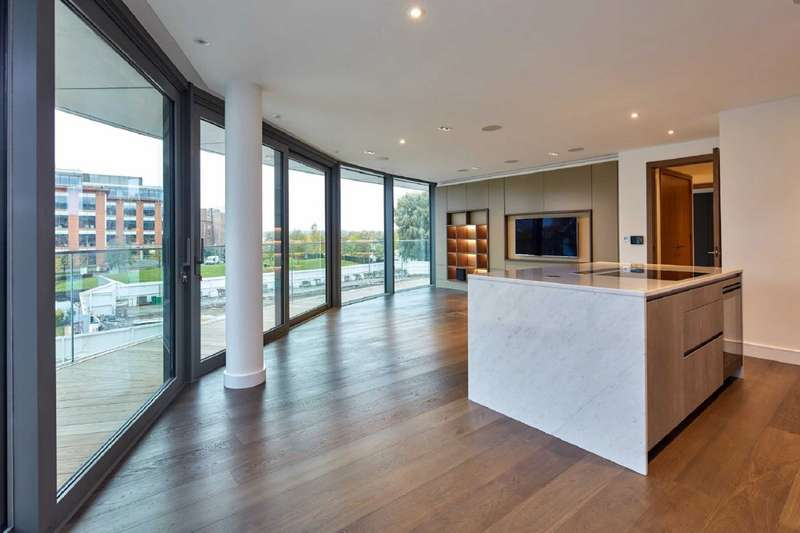 2 Bedrooms Apartment Flat for sale in Goldhurst House, Fulham Reach, Fulham, London, W6
