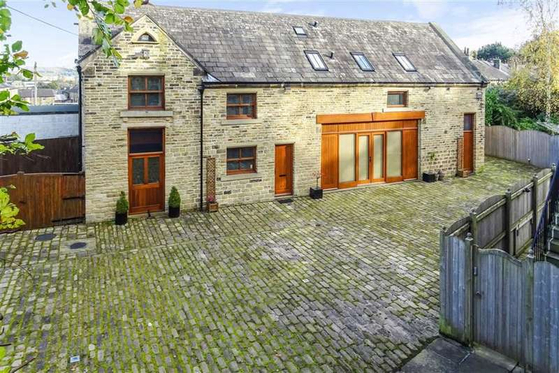 4 Bedrooms Detached House for sale in Murray Road, Edgerton, Huddersfield