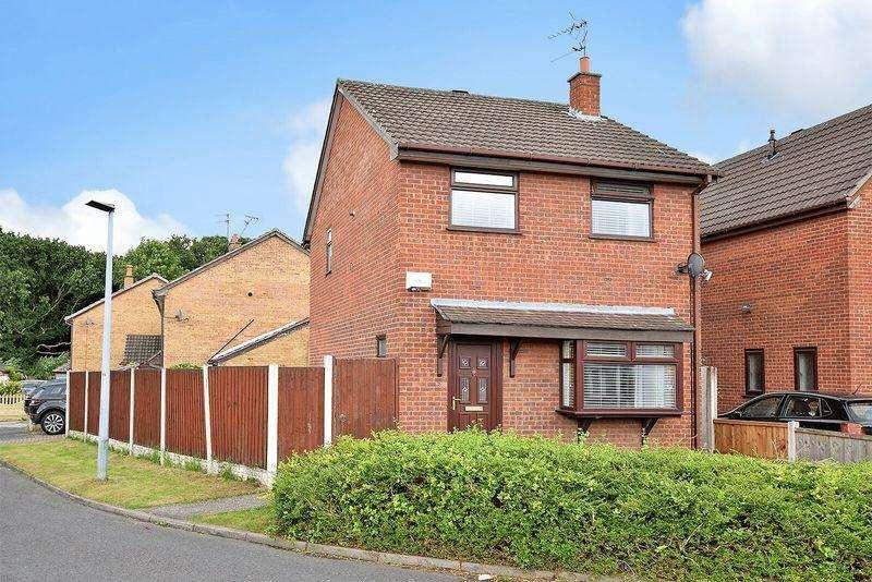 3 Bedrooms Detached House for sale in Saltwood Drive, Runcorn