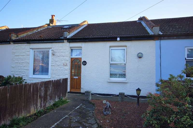 1 Bedroom Terraced Bungalow for sale in Michael Cottages, Shoeburyness, Southend-On-Sea