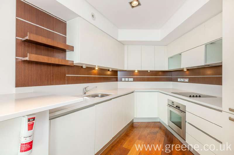 3 Bedrooms Flat for rent in Holmes Road, Kentish Town, London, NW5
